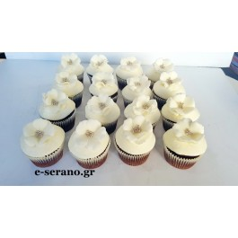Cupcakes με λουλούδια λευκά